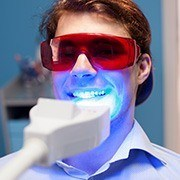 Patient receiving zoom whitening